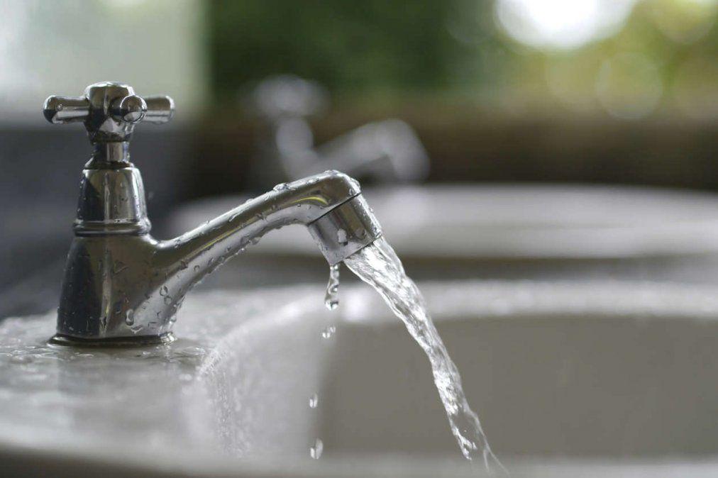 El servicio de agua potable se verá afectado este domingo.
