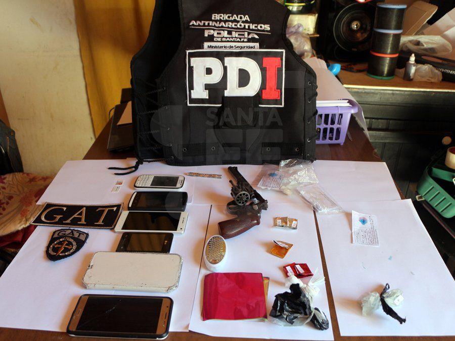 Múltiples allanamientos en Calchaquí, dejó seis detenidos, estupefacientes y armas