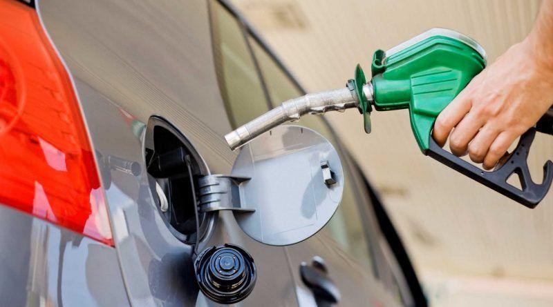 YPF bajó el precio de los combustibles