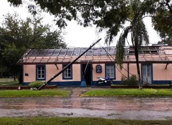 La tormenta hizo desastre en Villa Guillermina y le voló el techo a la comisaría
