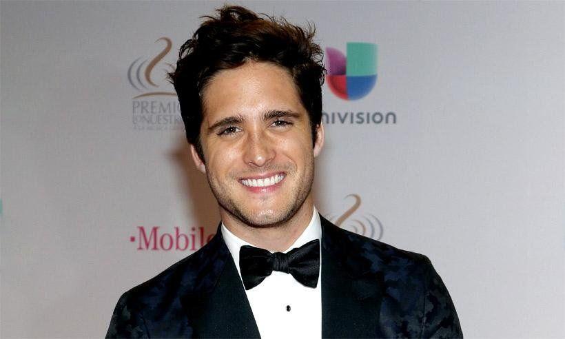Diego Boneta estaría de novio con una sensual influencer