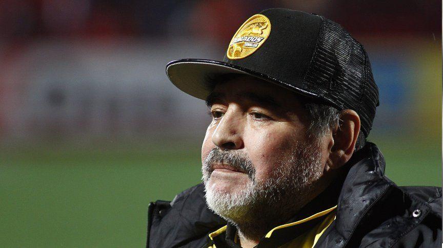 Operaron a Diego Maradona por el sangrado estomacal