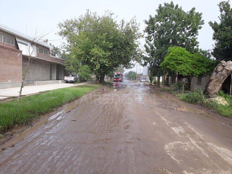 La línea 1 no entra a los barrios del oeste por el mal estado de las calles