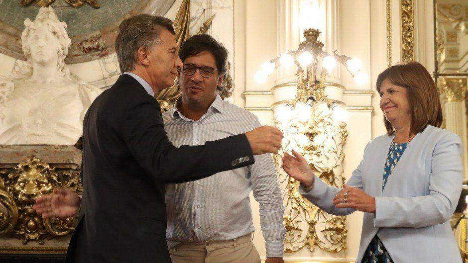 Diferencias entre constitucionalistas por el decreto de Macri