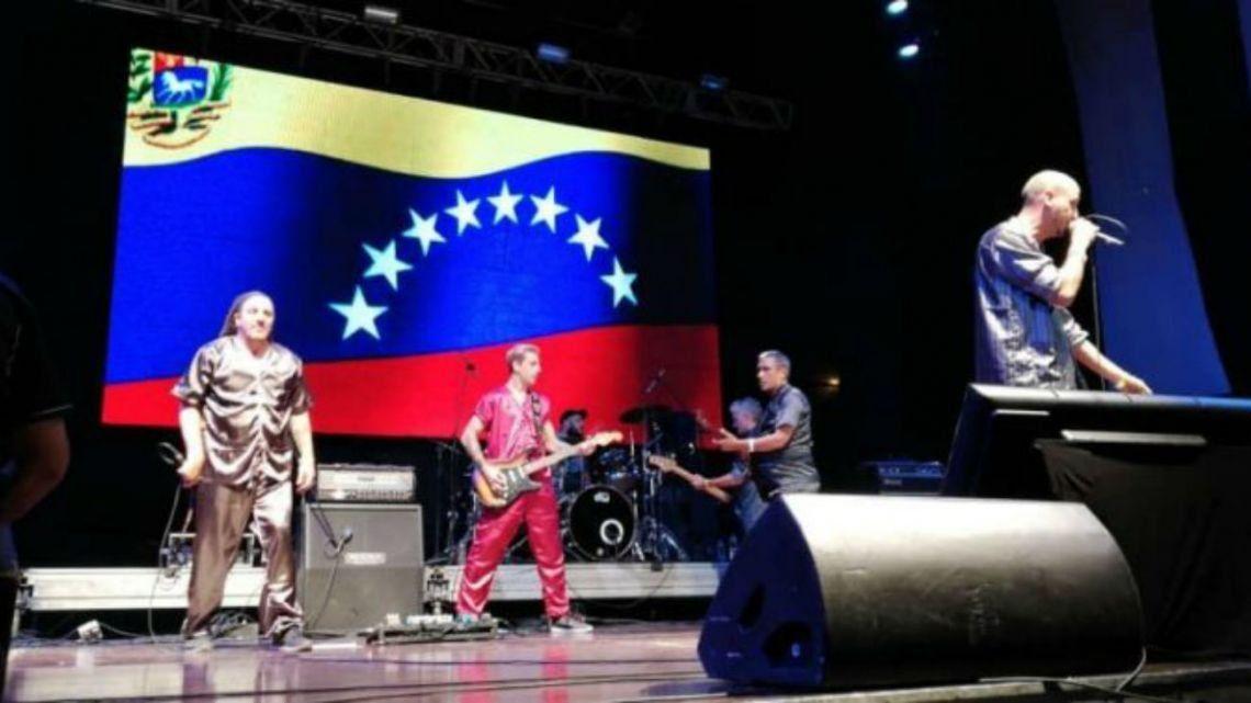 Bersuit Vergarabat se presentó en el recital de Nicolás Maduro