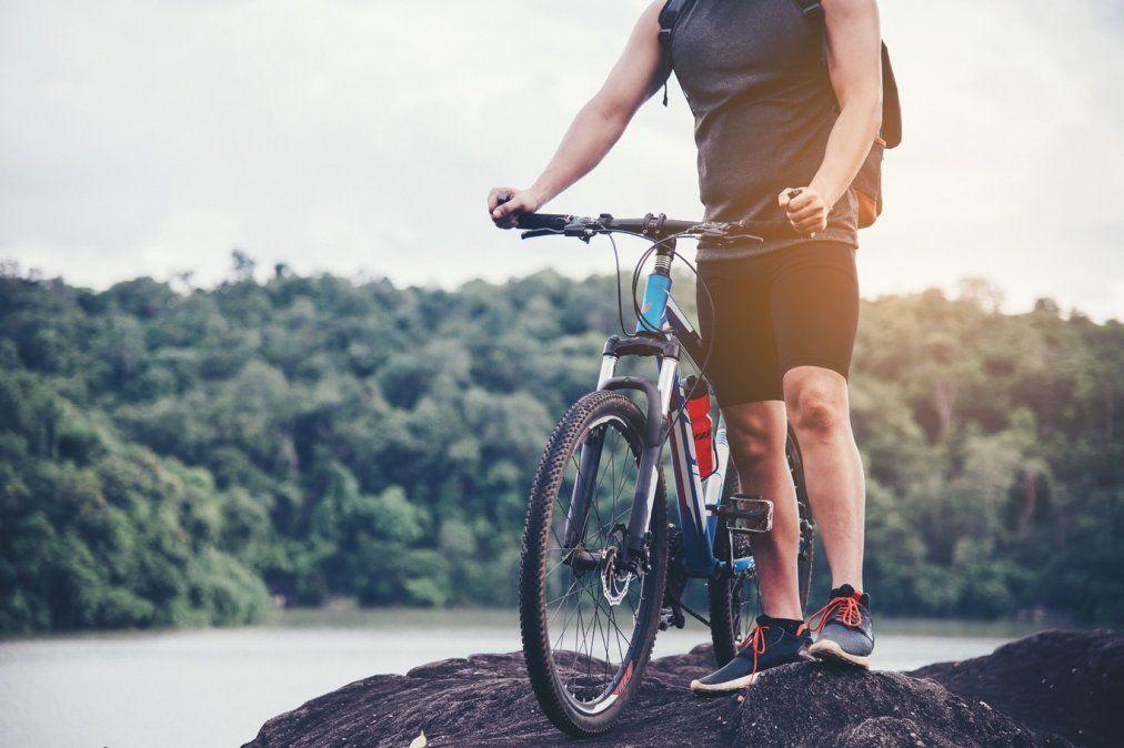 Entrena en el gimnasio para pedalear mejor: los ejercicios que te ayudan a ser un mejor ciclista