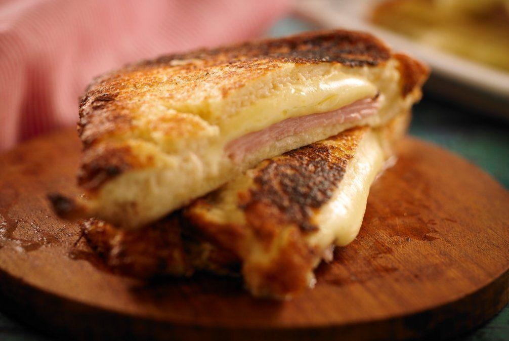 Emparedados de jamón y queso