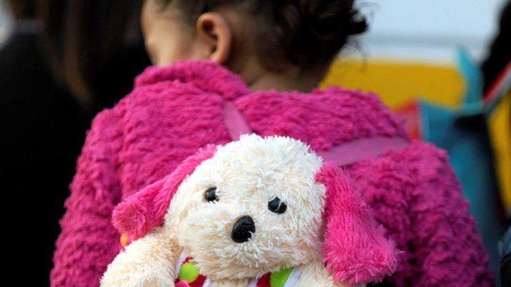 La desgarradora historia de la niña que tiene cuatro años y nadie reclama