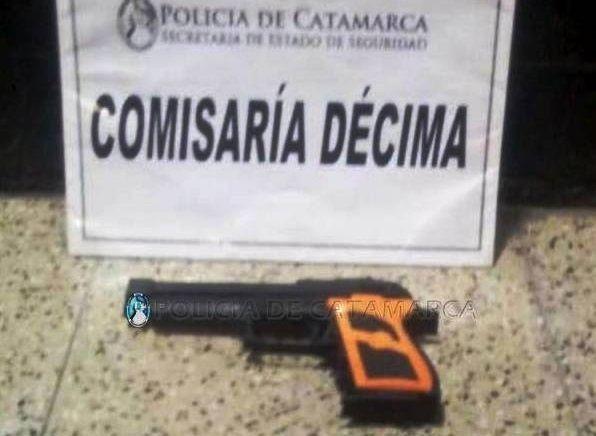 Robó en un negocio con una pistola de juguete y quedó detenido