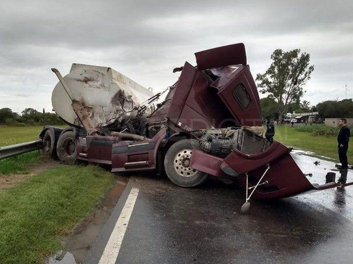Un muerto en un trágico choque entre dos camiones en la ruta nacional 34