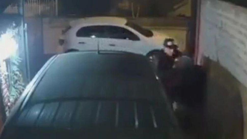 Vecino corrió a los tiros a ladrones en frustrada entradera