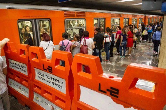 Los casos de dos mujeres atacadas exhiben los interminables abusos sexuales en el metro de la Ciudad de México