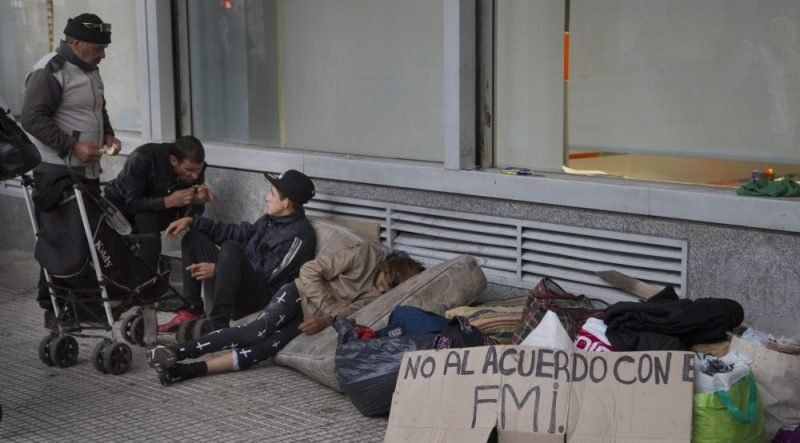 Indec: una familia tipo necesitó en marzo más de $28.750 para no ser pobre