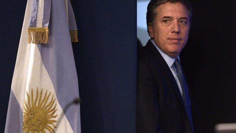 """Dujovne: """"No hay nada para festejar con una inflación del 3,4 %"""""""