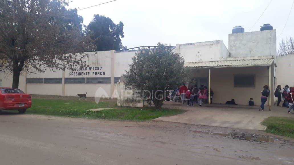 Sauce Viejo: tras el tiroteo, colocarán vinilos blindados en la escuela Perón