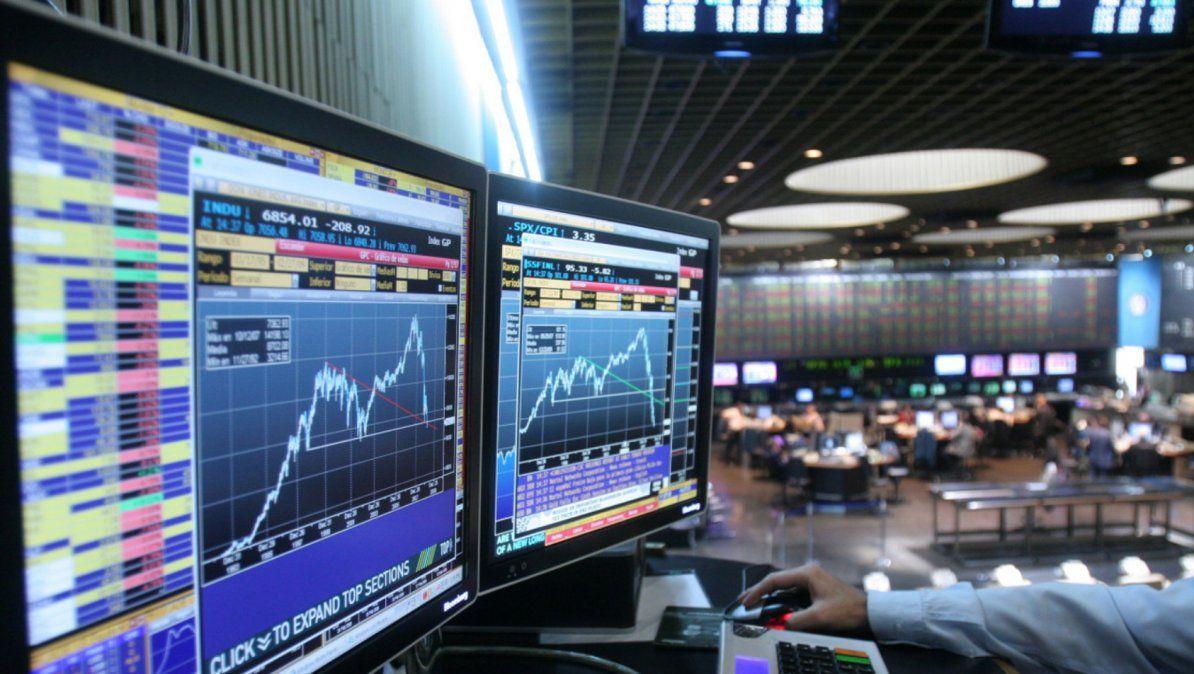 Mercados: ante la fórmula, las acciones se dispararon y bajó el riesgo país