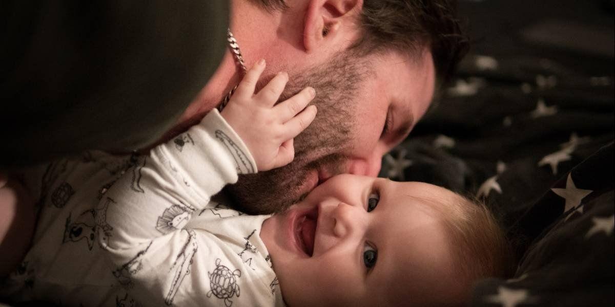 La vida de los hombres mejora cuando tienen una hija