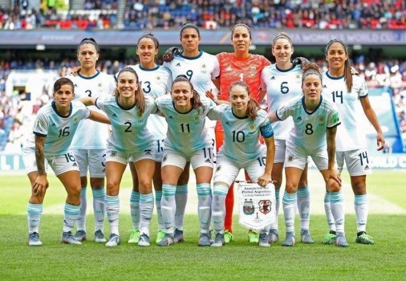 Con toda la ilusión, la Selección Argentina enfrenta a Inglaterra