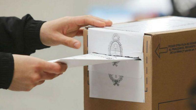Elecciones en Santa Fe: propaganda, veda, uso del celular ¿qué está permitido y qué no?