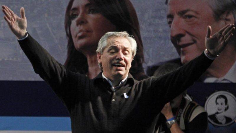 Las figuras del arco político nacional felicitaron a Omar Perotti
