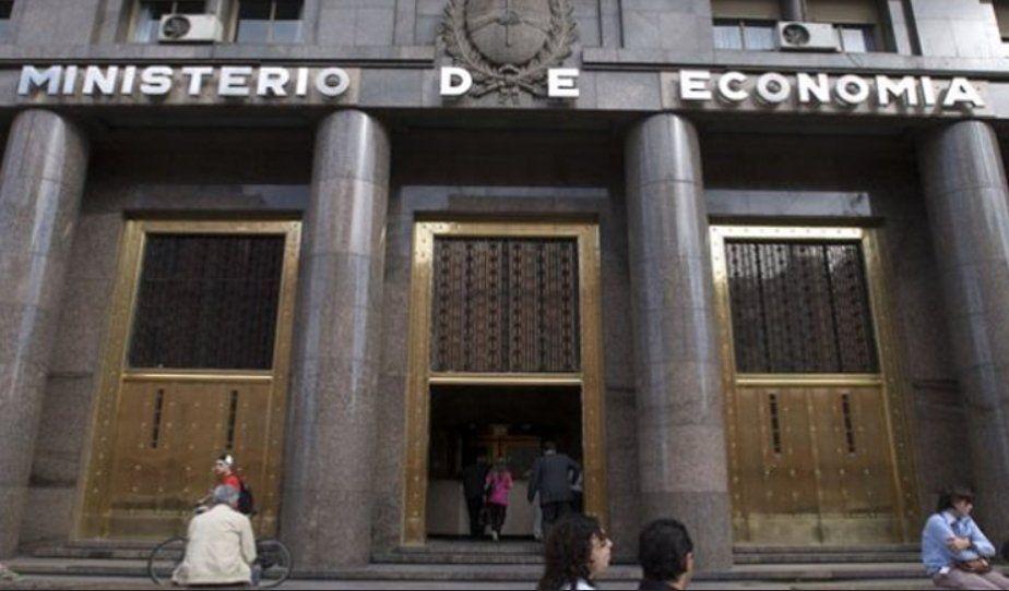 El Gobierno colocará nueva deuda en dólares y en pesos esta semana