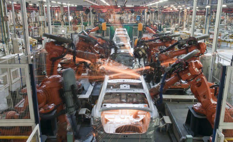 La actividad económica cayó un 1,3% en abril