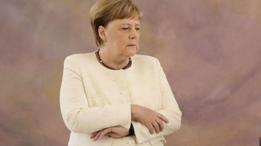 Angela Merkel sufrió otro temblor en vivo y preocupa su salud