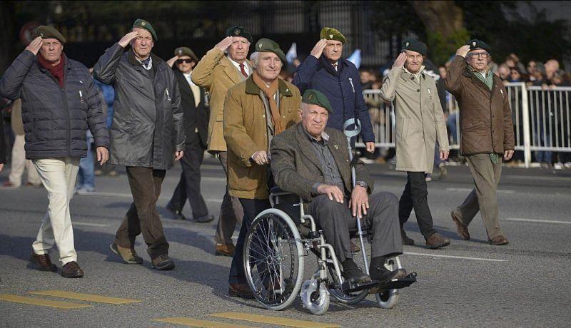 """Aldo Rico dijo que """"ni el presidente"""" puede impedirle estar en el desfile militar"""