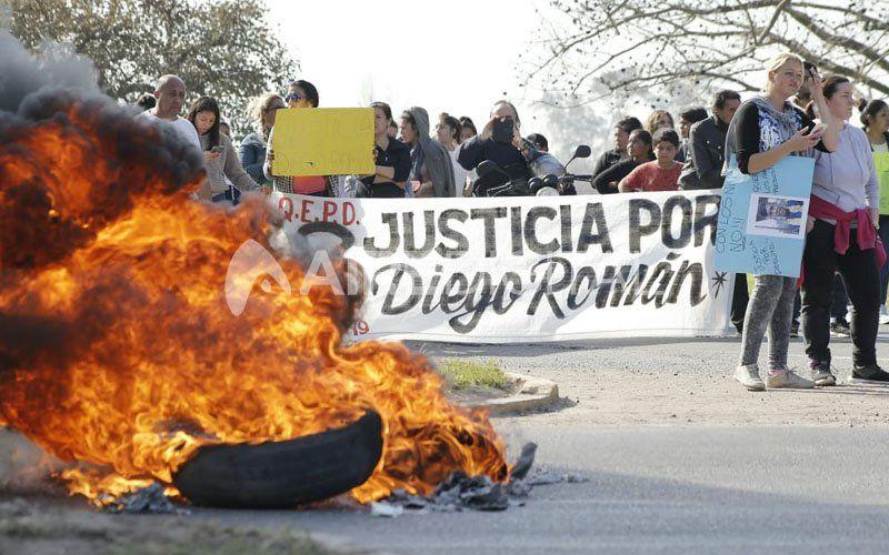 Recreo: una tensa movilización para pedir justicia por Dieguito Román