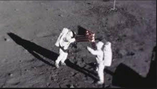 La tenebrosa historia de la tripulación que viajó por primera vez a la Luna
