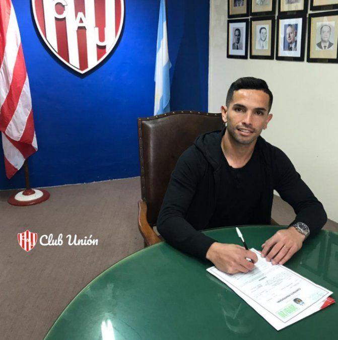 Carabajal firmó y se mostró contento de llegar a Unión