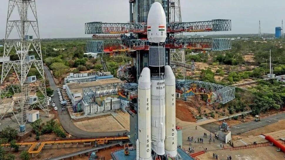 La India postergó por un problema técnico el lanzamiento de su segunda misión a la Luna
