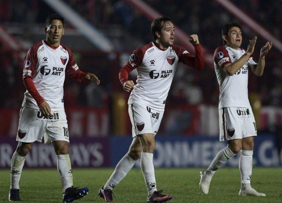 Copa Sudamericana: Colón se metió en los cuartos de final en la definición por penales gracias a un inspirado Burián