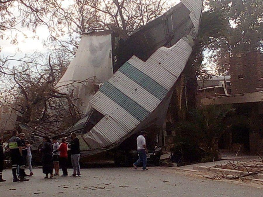 Mendoza: una víctima fatal, incendios, destrozos y árboles caídos por el zonda