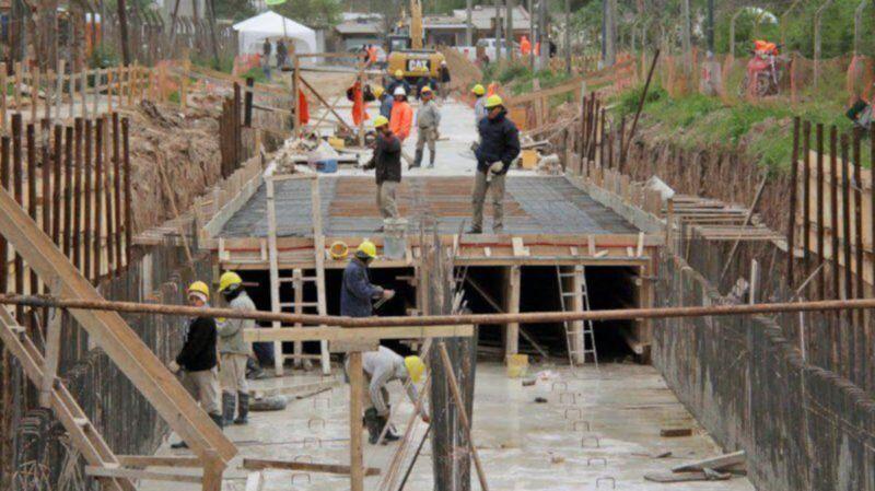 La construcción del desagüe Larrea finalizará en los próximos días