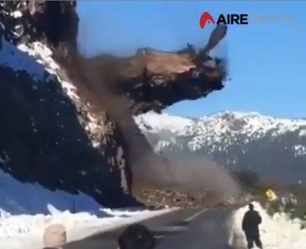 Increíble desprendimiento en la Ruta 40 camino a Bariloche