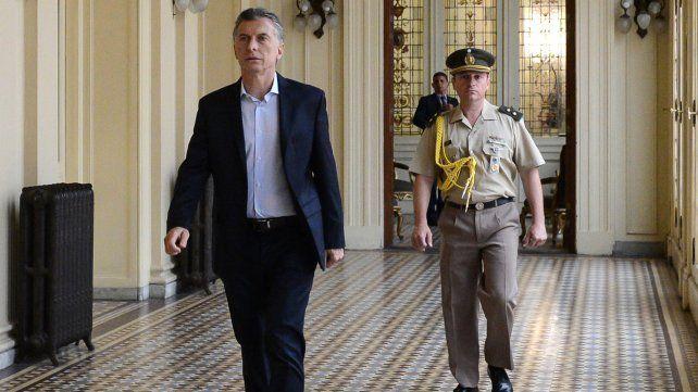 Macri recibió a su equipo económico y postergó la reunión de gabinete