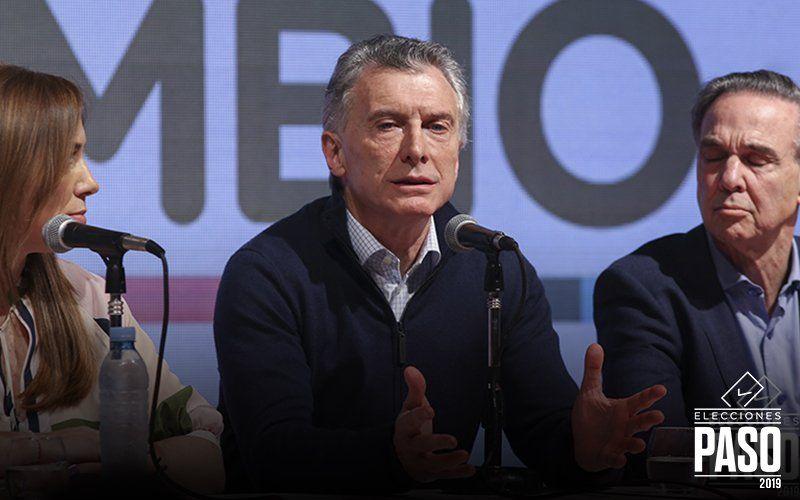 Preocupa la escalada del dólar: Macri se reunió con el presidente del Banco Central en la Casa Rosada