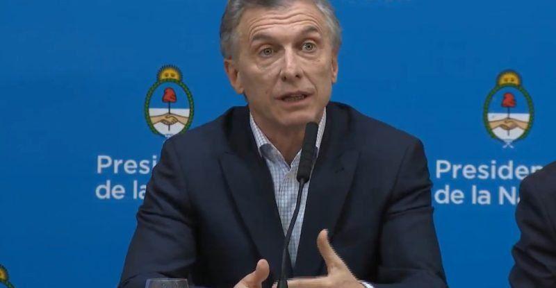 Macri aseguró que preparan medidas para contener el dólar y responsabilizó al kirchnerismo por la corrida cambiaria