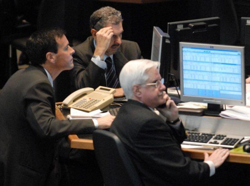Las acciones argentinas en Wall Street cayeron un 60% y la tasa de interés del BCRA subió al 74%