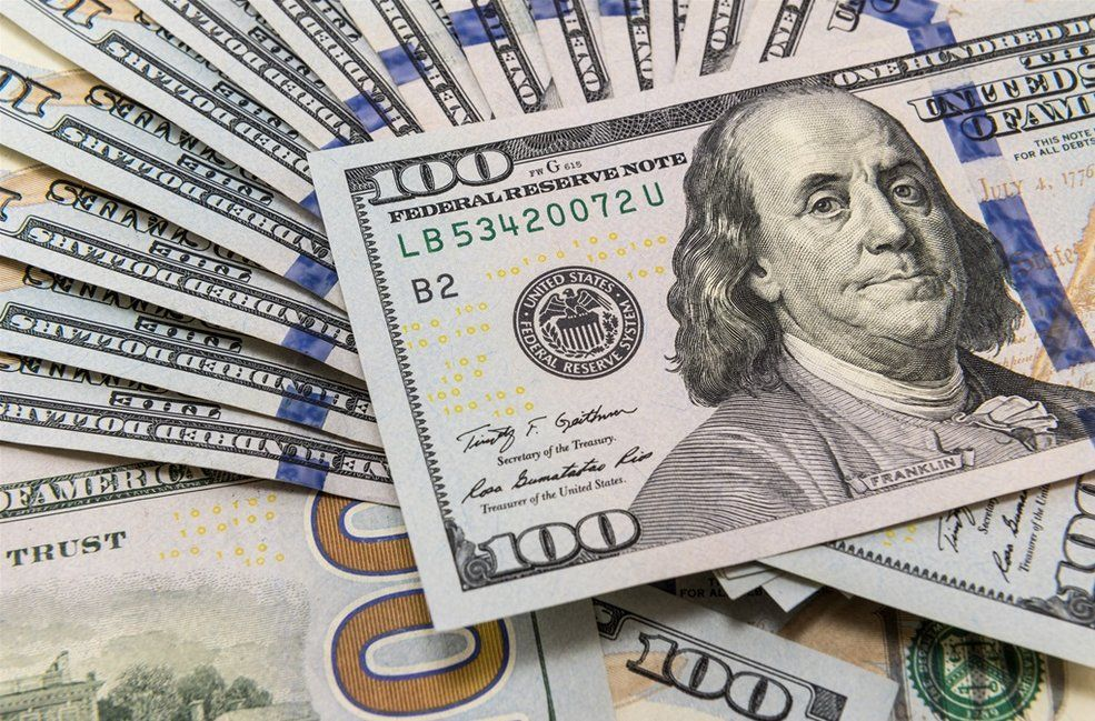 El dólar no encuentra techo: este martes volvió a subir, llegó a los $61 y cerró en un valor récord de $58,33
