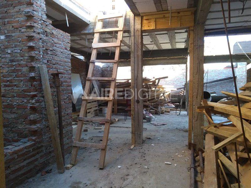 Llegaron a la obra en construcción a trabajar y les habían robado todas las herramientas