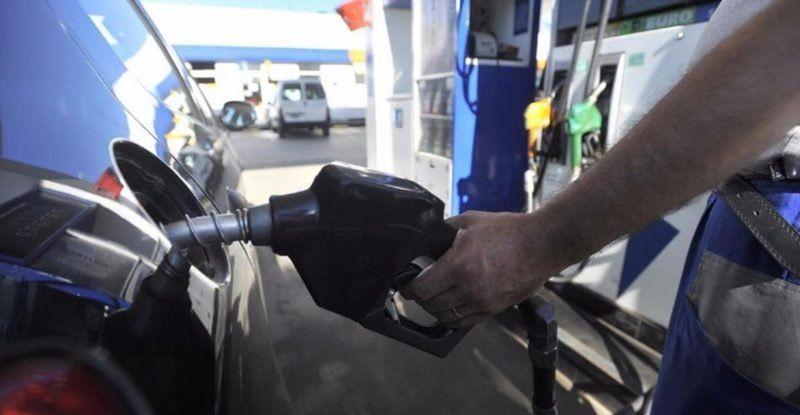 El Gobierno convoca a las petroleras: hay rumores de que está en duda el congelamiento de precios