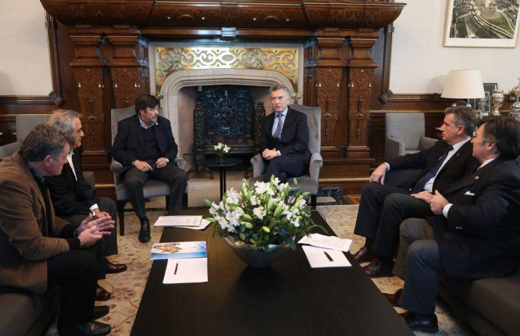 En la reunión con los dirigentes de la Mesa de Enlace, Macri prometió no aumentar las retenciones
