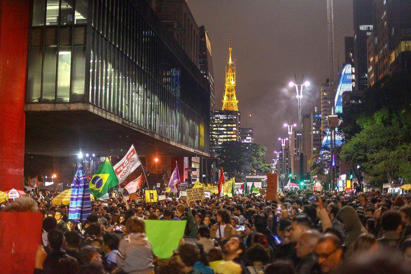 Cacerolazos en las principales ciudades de Brasil contra Bolsonaro
