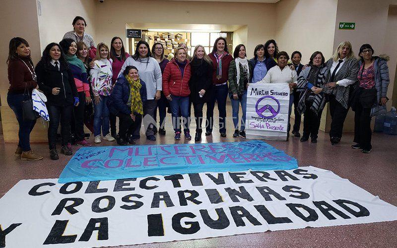 """""""En la esquina por favor"""": la lucha de cuatro colectiveras rosarinas para trabajar en el transporte público"""