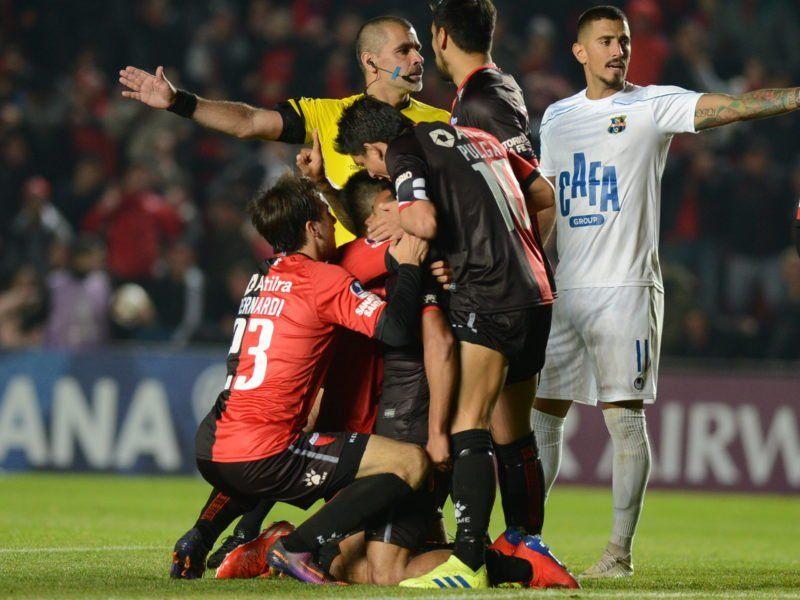 Copa Argentina: Colón va por el pase a los cuartos ante Atlético Tucumán