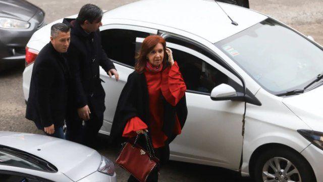 Cristina Kirchner viaja por quinta vez a Cuba para visitar a su hija Florencia, que sigue en tratamiento