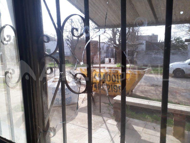 Amenazas a la vecinal San Martín: atacaron a piedrazos el kiosco de la vicepresidente