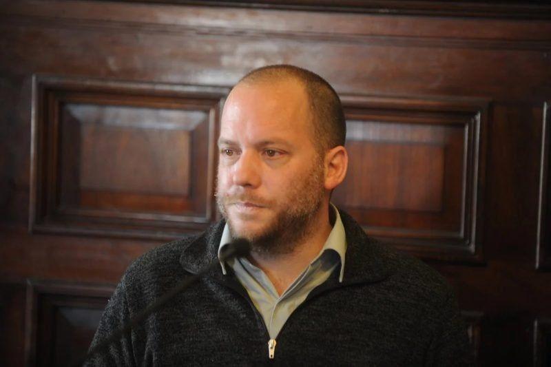 El periodista Lucas Carrasco fue condenado a nueve años de prisión por haber violado a una joven